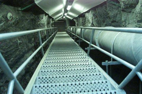 INN I FJELLET: Bare Forsvaret selv vet hvor mange meter gangvei som finnes inne i fortet.
