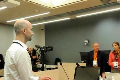 Psykiater Erik Johannesen tror Anders Behring Breivik lyver for å redde seg selv.