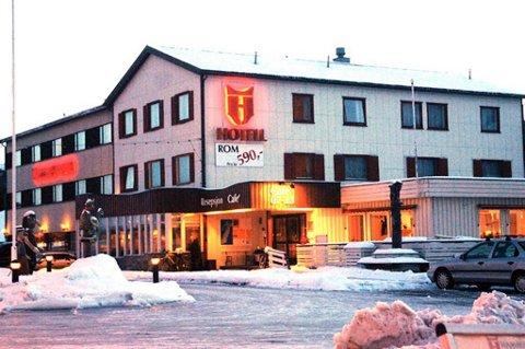 Det var på Hamarøy hotell at mannen regelrett beit nesen av bror sin.