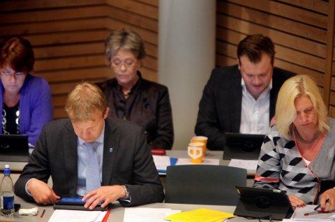 VEDTATT: Kommunestyret vedtok med 25 mot 17 stemmer å åpne for konkurranseutsetting av kommunale tjenester. Dermed er det duket for mer makt til byrådet.