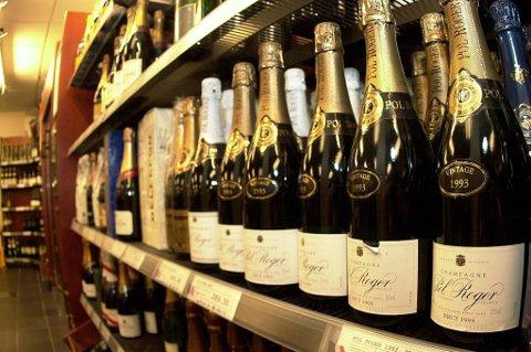 Mange av oss har råd til å skåle i champagne.
