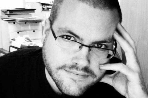 TRUES MED MILLIONSØKSMÅL: To norske bloggere trues nå med millionsøksmål etter å ha omtalt «helsegevinsten» av sjokoladen Xocai. Først ut var den norske bloggeren «Morten», han ble truet med et søksmål på et syvsifret antall millioner dollar for å skrevet negativt om sjokoladen. På onsdag skriver en annen norsk blogger, Gunnar Tjomlid (bildet), at også han nå blir truet med søksmål.