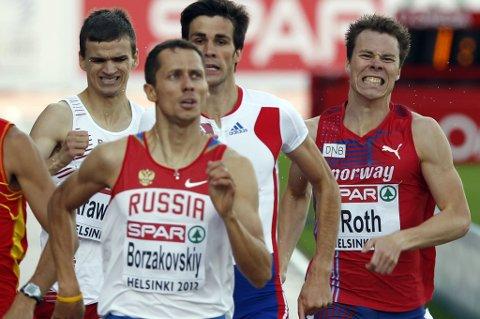 TOK UT ALT: Ull/Kisa-løperen Thomas Roth (21) lå bak, men sikret seg semifinaleplass på 800 meter etter en sterk sluttspurt. FOTO: SCANPIX