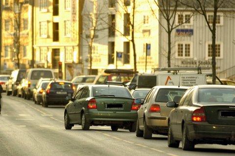 Trondheim kommune har fått en bot på 200.000 kroner for en rekke brudd på overtidsbestemmelsene i arbeidsmiljøloven.