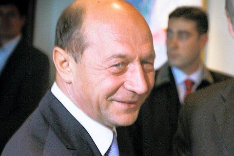 Romanias president Traian Basescu risikerer riksrettssak på bakgrunn av anklager om brudd på grunnloven.