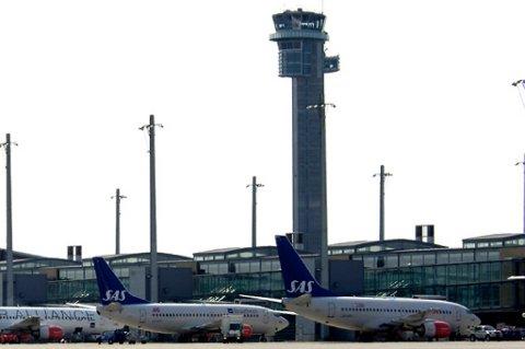 Det er fortsatt for få flygeledere i tårnet.