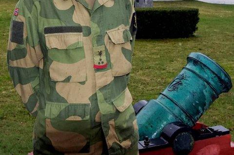 Veteranen beskriver en situasjon hvor fastleger har vist til Forsvaret, som igjen har vist ham tilbake til det sivile.
