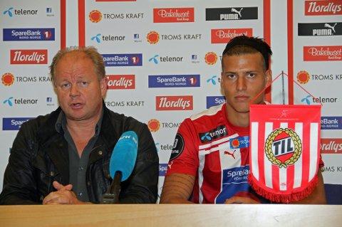 NY SIGNERING: Her sitter TIL-trener Per-Mathias Høgmo på tirdagens pressekonferanse med sin nyeste signering Aleksandar Prijovic.