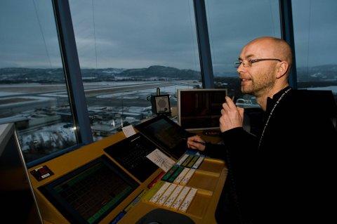 NHO luftfart mener at flygeledere ikke trenger å kunne norsk.