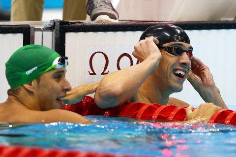 Medaljene fortsetter å renne inn hos Michael Phelps. Fredag kveld ble det gull på 100 meter butterfly.