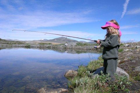Med barn på fisketur er som regel antall napp viktigere enn størrelsen på fisken.