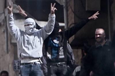 Syriske regjeringsstyrker er i gang med det varslede bakkeslaget om Aleppo.