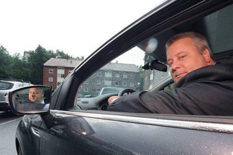 Frps Bård Hoksrud vil ha høyere fartsgrenser for å spare liv.