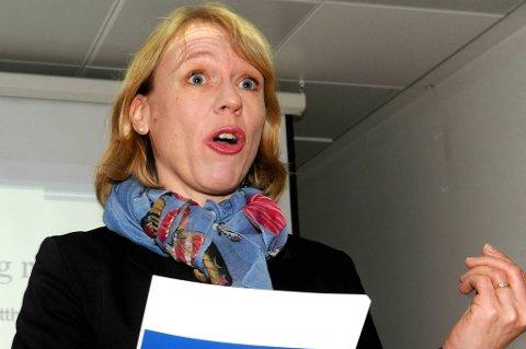 Kulturminister Anniken Huitfeldt mener det lages for mange norske filmer.