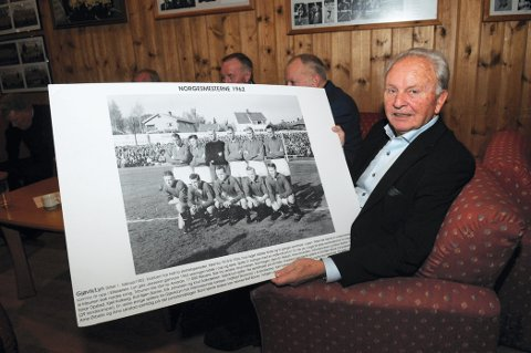 STJERNESPILLER: Rolf Bjørn Backe var en av stjernespillerne på det legendariske 62-laget, som gikk seirende ut av cupfinalen.