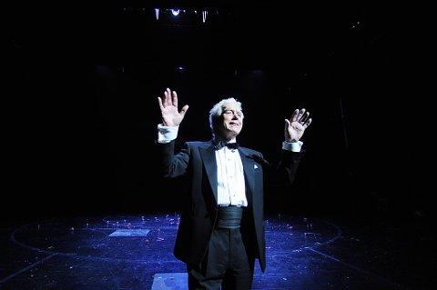 Toralv Maurstad spilte Puck i En midtsommernattsdrøm av William Shakespeare. Nå har hanskrevet bok.