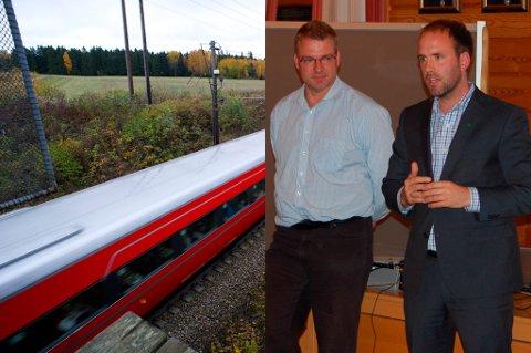 Statssekretær i Samferdselsdepartementet, Lars Erik Bartnes (t.h.), mener at beslutningen er en fordel for Ringeriksbanen. Prosjektleder for ny E16 mellom Skaret og Hønefoss, Nils Brandt, kan fortsette planleggingen av veien uten å tenke på banen.