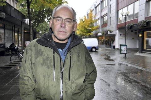 Gatediakon Terje Solvi konstaterer at  tiggerne han var med på å hjelpe hjem i sommer er tilbake. - Jeg har sagt til dem at jeg er kjempesint på dem, sier Solvi. Foto: Arne Forbord