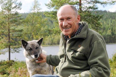 Leder av Elgforvaltningsrådet i Aurskog-Høland, Didrik Holmsen, gleder seg til jakta, men er spent på hvor stor den lokale elgbestanden er og hvordan den er lokalisert.