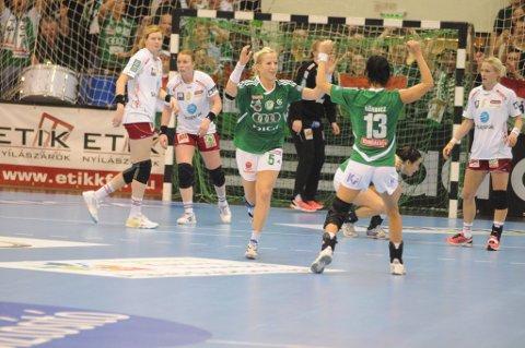 Reprise: Heidi Løke og Györ møtte også LHK i hovedrunden i fjorårssesongen. Da vant lagene hver sin kamp. (Arkivfoto)