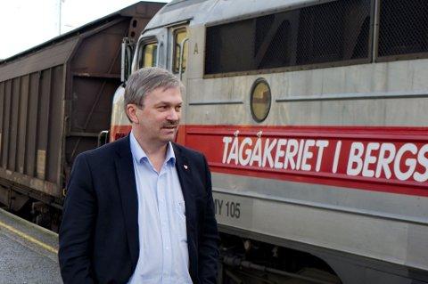 Ordfører Kjell B. Hansen (Ap) er mest optimistisk på vegne av Ringeriksbanen.