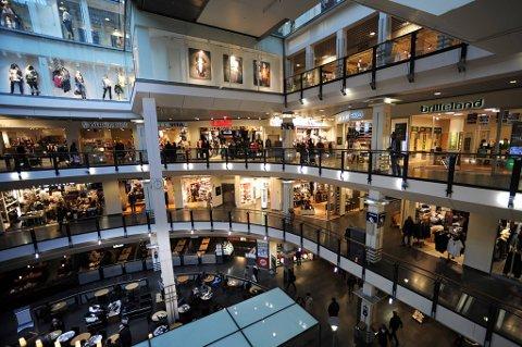 Tyvene tar ikke ferie i julen. En god del av tyvegodset kommer til å havne under juletrærne. Bildet viser kjøpesenteret Oslo City.