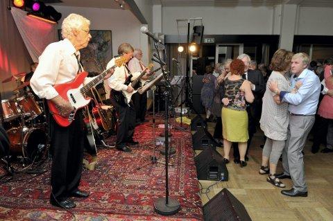140042d5 Til dans: Shamrocks spiller for de godt voksne på den nye femtedagsfesten i  Vinger Hotell