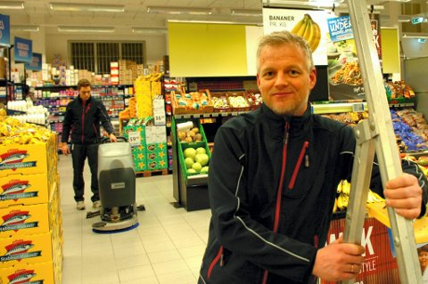 Kjøpmann Morten Engen har kontroll til åpningen.