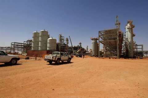 Arkivbilde av gassanlegget i Amenas i Algerie, der Statoil er en av operatørene. Flere utlendinger er gisler ved anlegget.