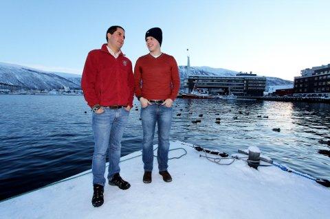 DESIGN-TENKERE: Federico Lozano (t.v.) og Uladzimir Kamovich stareter opp en lab for design-tenkere ved Universitetet i Tromsø.