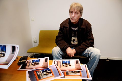FAR: Espen Berger Sørensen (53) reagerer på behandlingen sønnen får.