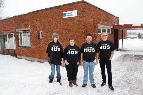 ? Redd hus 3: Jeanett Skisaker (f.v.), Gro Marit Vaag, Jostein Furu og Hans Inge Rønningen er fire av dem som har tilbud ved Nordre Vestfold Distriktspsykiatriske senter (NVDPS) ved Grefsrud i Holmestrand. De klynger seg til håpet om at Hus 3 består.