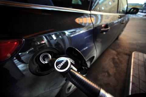 FÆRRE: Registreringen av nye dieselbiler falt fra februar i fjor til februar i år, viser tall fra Opplysningsrådet for Veitrafikken AS.