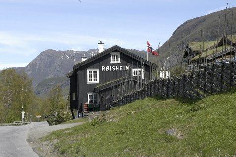 MATSTED: Erik Teigum vil utvikle Røisheim som matsted. Tidligere har han blant annet jobbet som hovmester ved café Bølgen & Moi i Oslo.