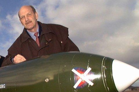 pensjonert generalmajor Kjell Lutnes, tidligere øverstkommanderende for luftstridskreftene i Nord-Norge.