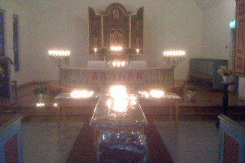 Onsdag var det minnestund i kirka på Skaland for de tre omkomne i skredet.