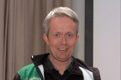 Bernt Einar Fredly, nestleder i Ballangen Skiklubb, mottok Frivillighetsprisen på kr. 50.000 på vegne av klubben.
