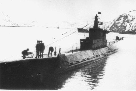 ANGREP: Den russiske ubåten K 21 som angrep fiskeflåten på Svensgrunnen under krigen i 1943. Bildet er sannsynligvis tatt i 1943 ved den sovjetiske ubåtbasen Polyarnoie i nærheten av Murmansk.