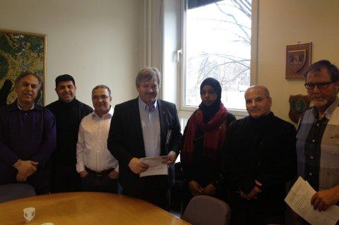 Representanter for innvandrerne og ordfører Kjell B. Hansen (Ap) var enige om at det må etableres et innvandrerråd i Ringerike kommune.