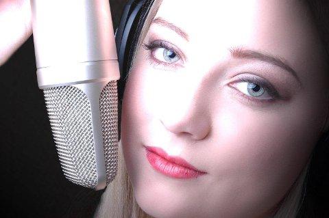 I PAUSA: Annhelen Gamlesanne fra Sarpsborg deltar med tre låter på utendørsscena lørdag. (Pressefoto)