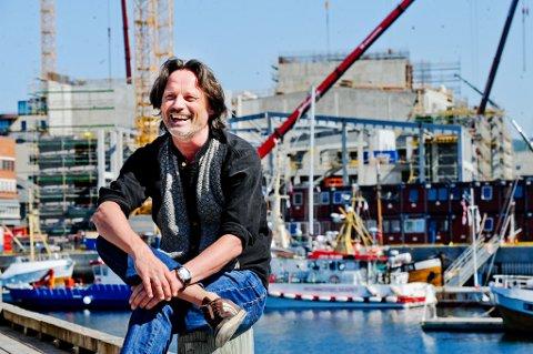 Ronald Nystad Rusaanes er mannen bak litteraturfestivalen Det Vilde Ord, og litteraturviter med hovedfag på Hamsuns vandrertrilogi. Han har samlet en rekke av landets mest kjente forfattere til en fem dager lang bokfest i Bodø.