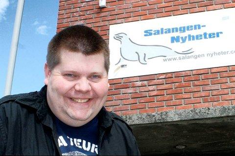 FORBANNET: Jon Henrik Larsen, redaktør og eier i Salangen-Nyheter.com er forbannet over at noen skal ha hacket seg inn på hans Facebook-konto, samt opprettet falske profiler i hans navn.