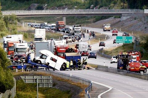 ULYKKE: En tromsøfamilie på seks var involvert i en trafikkulykke i Sverige i sommer.