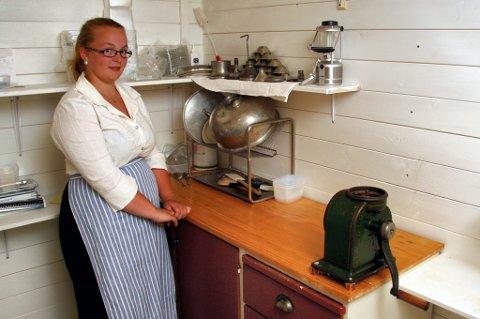 BUDEIE: Da Odalstunet trengte budeie til Skålbergsætra i sommer, kunne Thea Skjønhaug (16) tilby sine tjenester. Hun har lært av bestemor og dessuten vært med på setring i Østerdalen.