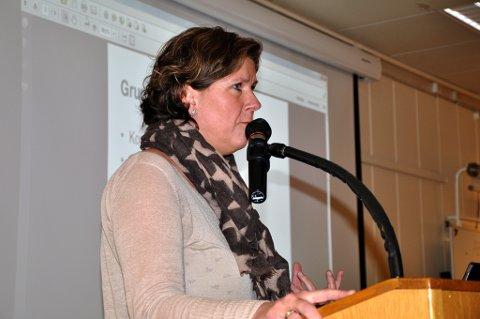 BEKYMRET: Jevnaker-ordfører Hilde Brørby Fivelsdal (Ap) er overbevist om at skattelettelser fra Høyre direkte vil ramme kommunens skoler, barnehager og omsorgstjenester. Arkivfoto: Sissel Skjervum Bjerkehagen