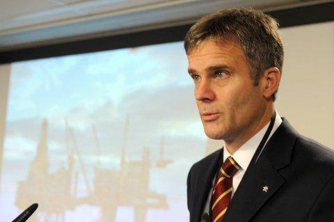 Mens Statoil-sjef Helge Lund informerte fagforeningene om at utflaggingen ville ramme maks 350 ansatte, mener Industri Energi at konsernledelsen i skjul planla et langt større omfang.
