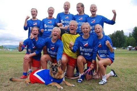 Tidligere på dagen fredag kunne jubelen stå i taket etter seieren i semifinalen. Drivs jenter 15/16 tapte knepent på straffesparkkonkurransen som avsluttet finalekampen mot Røa.