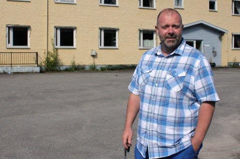 IKKE KLART: Myrvoldheimen er ikke klar til å ta i mot elever og barn fra Montessori. Daglig leder Geir Arne Framaas håper det skjer raskt etter skolestart mandag.