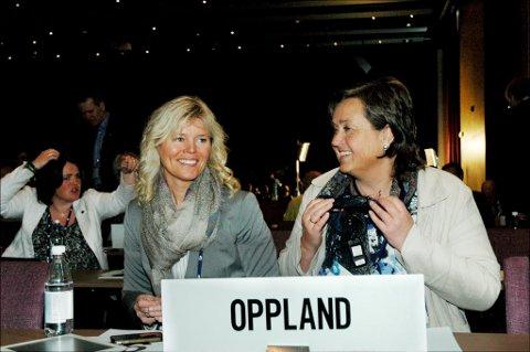 Jørand Ødegård Lunde (t.h.) lover full innsats for to Høyremandater i Oppland. Her sammen med Anne Grethe Fremgaard