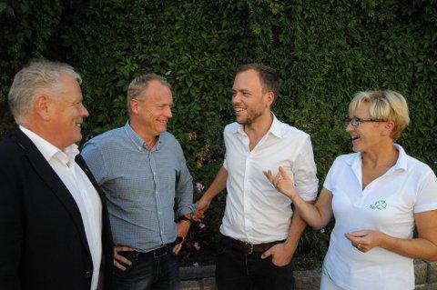 De rødgrønne danner felles front mot tvangssammenslåinger av kommunene. Fra venstre leder Jan Davidsen i Fagforbundet, Ap-sekretær Raymond Johansen, SV-leder Audun Lysbakken og Sp-leder Liv Signe Navarsete.
